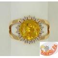 Золотое кольцо с янтарем и фианитами