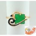Серебряное кольцо с синтетическим агатом и фианитами