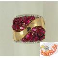 Широкое кольцо из золота с рубинами