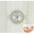 Серебряное кольцо с синтетическим горным хрусталем и цирконием