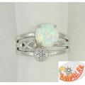 Серебряное кольцо с опалом и фианитами