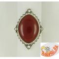 Серебряное кольцо с сердоликом и марказитами