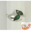 Серебряное кольцо с изумрудами и шпинелью