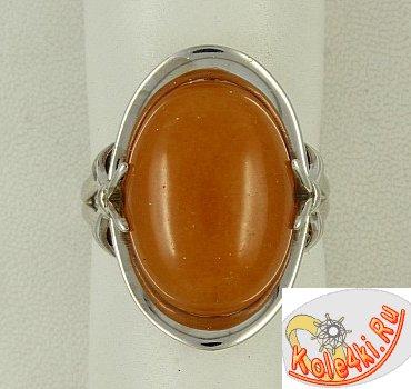 Кольцо из серебра с солнечным камнем