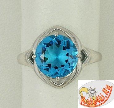 Серебряное кольцо с голубым кварцем скай